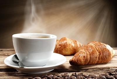 Wpływ-kawy na zęby